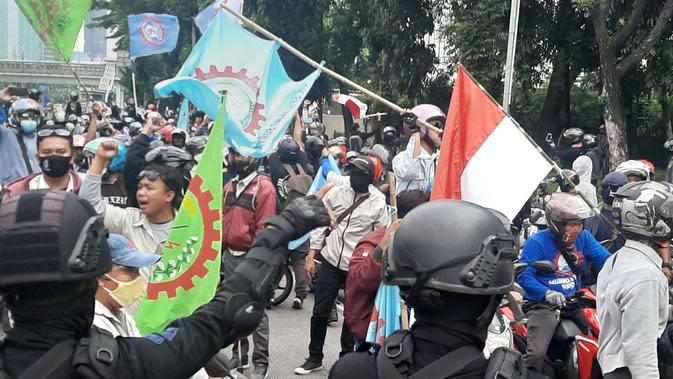 Temui Demo Buruh, Bupati Bogor Janji Sampaikan Aspirasi ke Jokowi