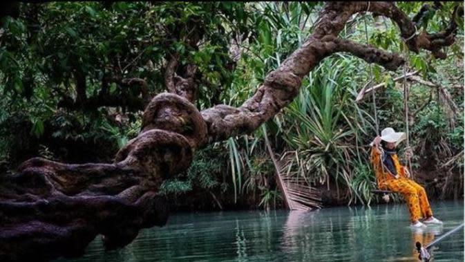 Menengok Sungai di Pacitan yang Dianggap Mirip Amazon. (dok.Instagram @overland_id/https://www.instagram.com/p/CF9Nki3A1E1/Henry)