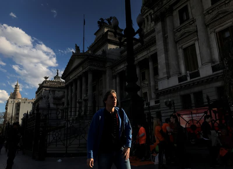 Argentina unveils ambitious post-crisis budget with 5.5% economic rebound in 2021