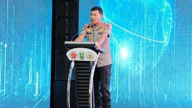 Kapolri Jenderal Idham Aziz ketika memberikan arahan saat peluncuran aplikasi Lancang Kuning Nusantara di Pekanbaru. (Liputan6.com/M Syukur)