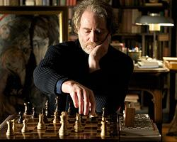 Kline picks up French, chess for 'Queen to Play'