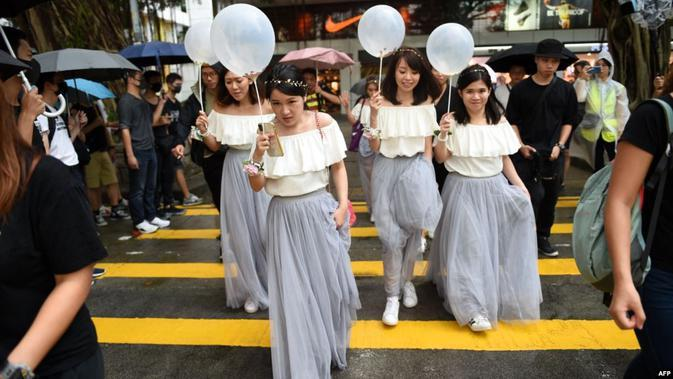 Gara-Gara Calon Suami Polisi, Wanita Demonstran Hong Kong Nyaris Gagal Nikah