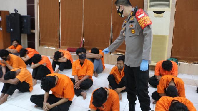 Polisi Amankan 38 Pelajar Bersenjata Tajam Hendak Tawuran di Bekasi