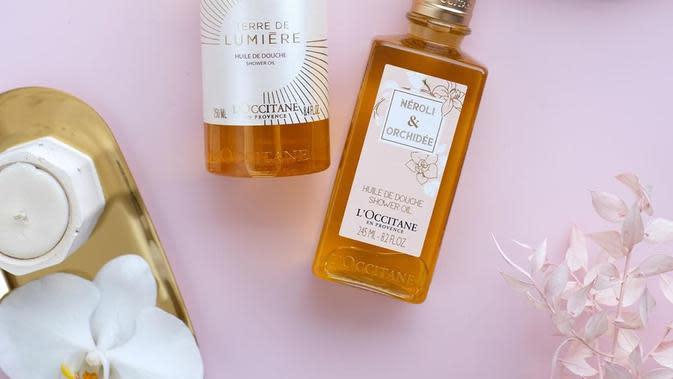 Rutinitas mandimu akan menjadi mewah dan seru dengan shower oil dari L'Occitane (Foto: instagram/loccitane_id)