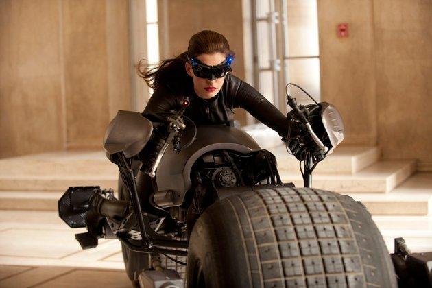 Catwoman leaps out in new 'Dark Knight Rises' TV spots