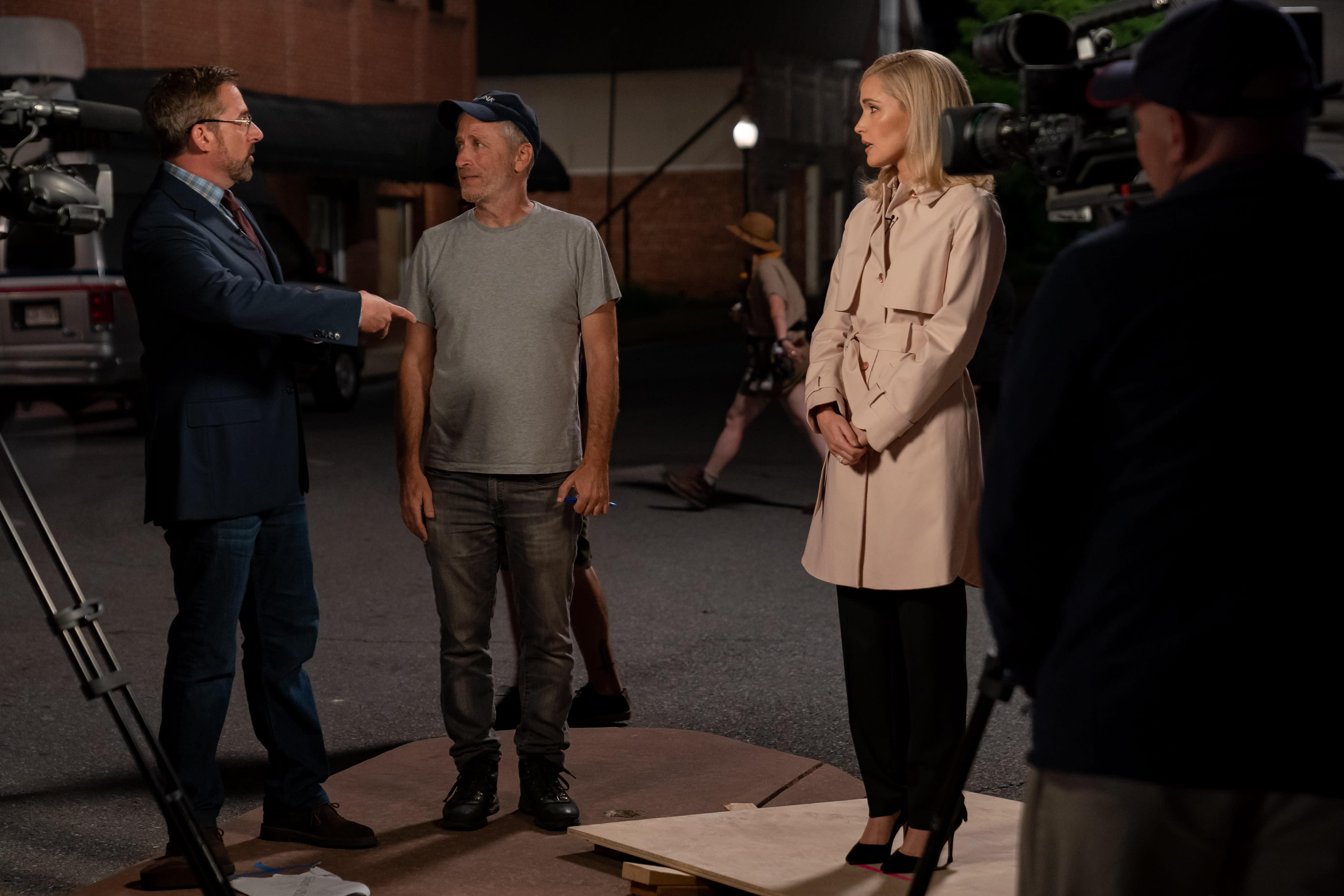 Steve Carell, Jon Stewart and Rose Byrne on the set of 'Irresistible' (Photo: Daniel McFadden / Focus Features)