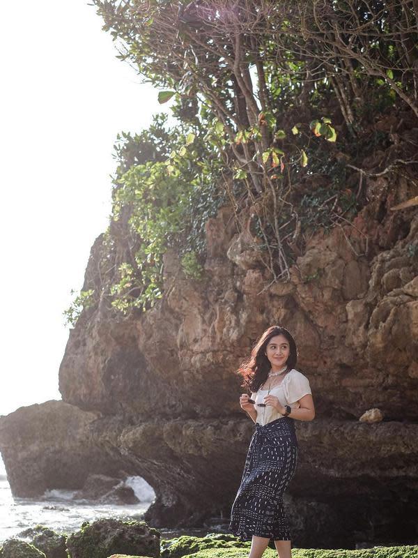 Gaya liburan Zulfa Maharani (Sumber: Instagram/zulfamaharani)
