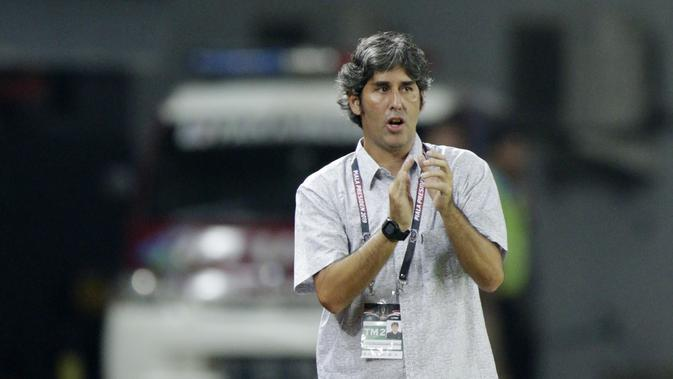 Pelatih Bali United, Stefano Cugurra Teco (Bola.com/M Iqbal Ichsan)