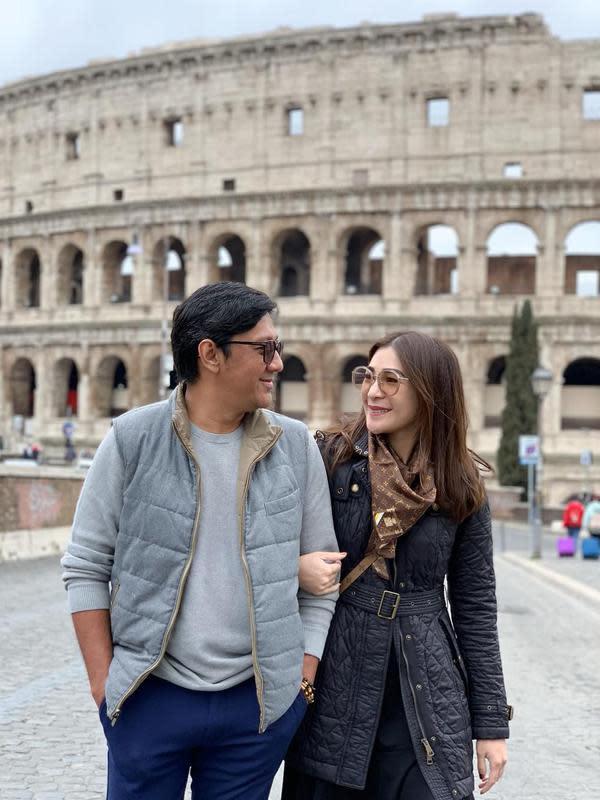 Usia pernikahan Andre dan Erin sudah 15 tahun, pasangan ini telah dikaruniai tiga orang anak, Ardio Raihansyah Taulany, Arkenzy Salmansyah Taulany, dan Arlova Carissa Taulany. (Instagram/erintaulany)