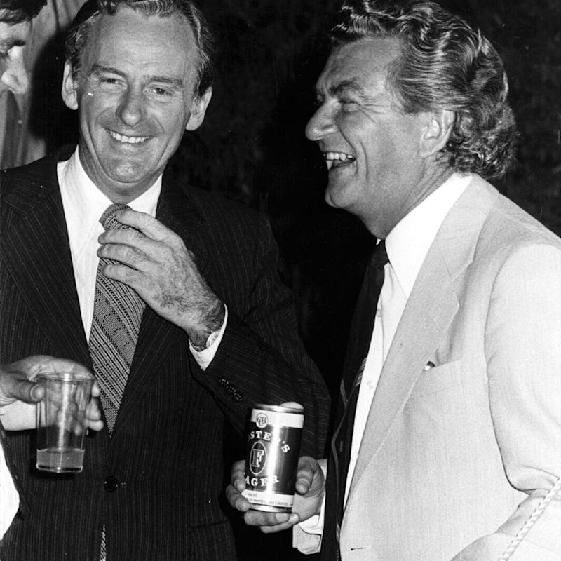 Bob Hawke having a beer with former Labor leader Bill Hayden in the 1970s. Source: Getty