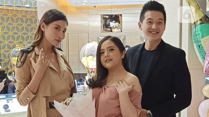 Tasya Kamila digandeng untuk berkolaborasi dalam peluncuran koleksi perhiasan berlian baru. (Liputan6.com/Dinny Mutiah)