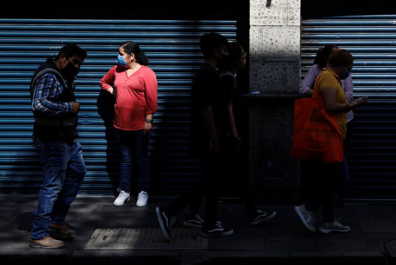 WHO officials: Coronavirus nears peak in Mexico, but risks remain