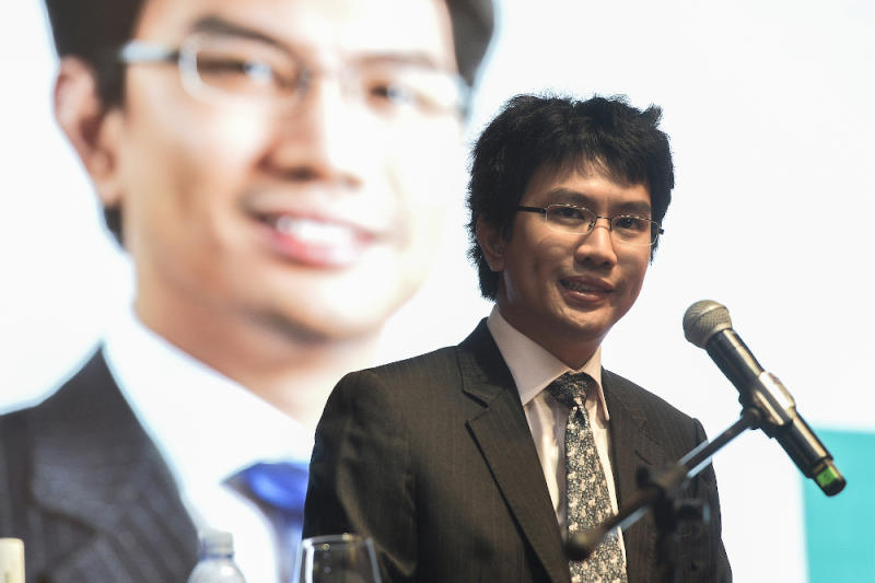 Tunku Zain Al-'Abidin Tuanku Muhriz highlight the importance of communication at the WOWComm 2019 conference at Putrajaya Marriott hotel. — Picture by Miera Zulyana