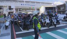 大智路設劃待轉區 機車族巡迴路口抗議
