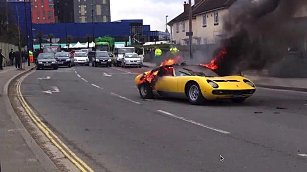 Priceless Lamborghini Miura P400 SV burns on a London street