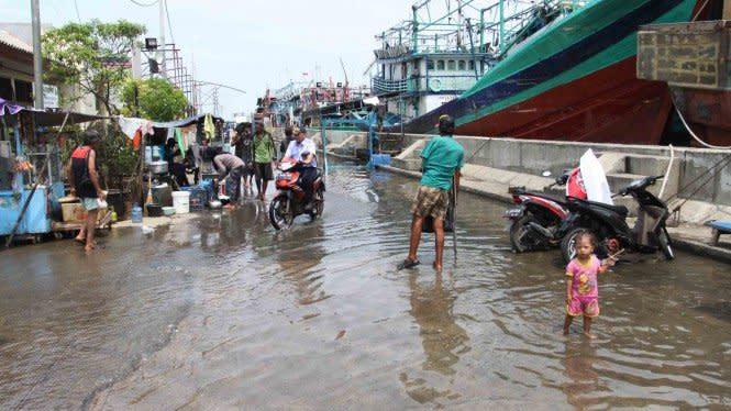 Ingat, Banjir Rob Lebih Berisiko Merusak Mobil