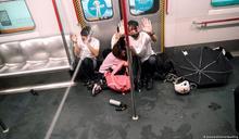 香港「831事件」一周年 孕婦遭警推倒引民憤