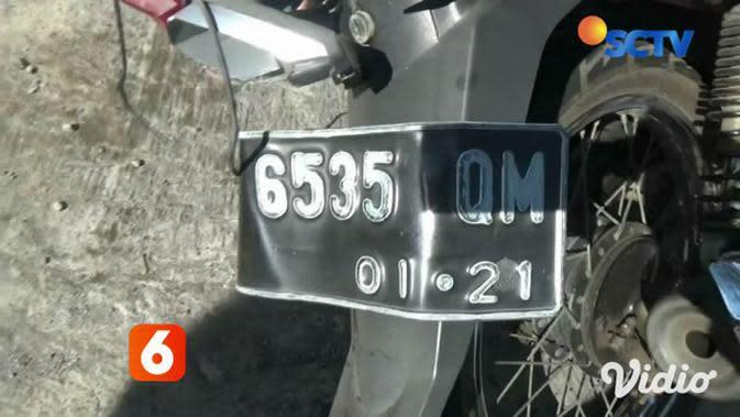 VIDEO: Penumpang Sepeda Motor Tewas Terlindas Truk Gandeng