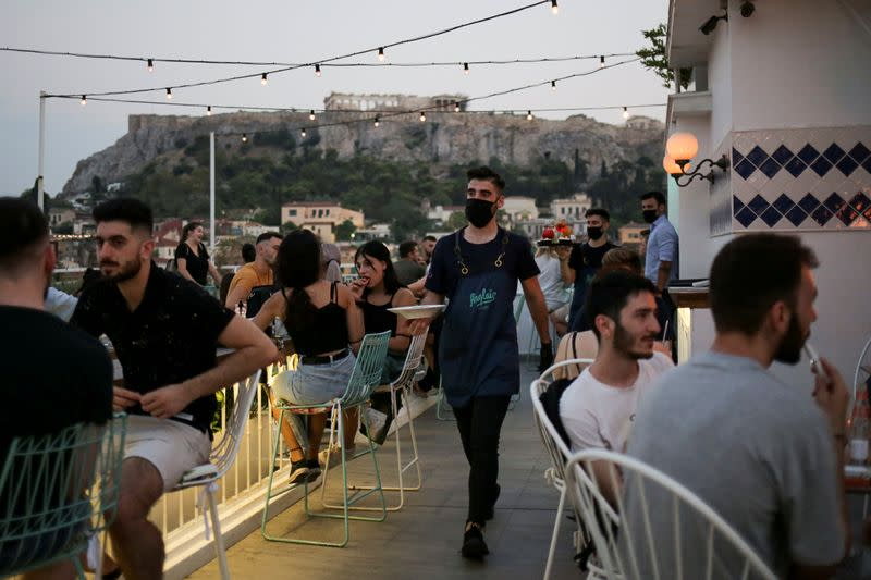 Greece reports 372 new coronavirus cases, highest daily tally so far