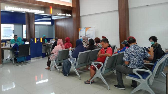 Tiket loket di PT KAI Daop 8 Surabaya. (Foto: Liputan6.com/Dian Kurniawan)
