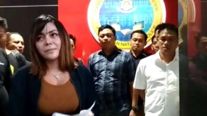 Avriellia Shaqqila, yang ditangkap Polda Jatim terkait dengan prostitusi online