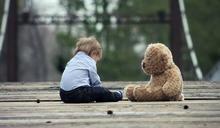 誰說孩子無憂慮!小二童「退化」尿床、不吃不睡… 竟是憂鬱症上身