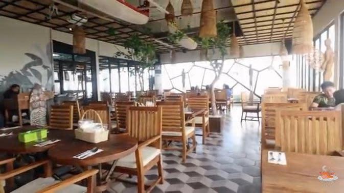 Restoran milik Teuku Rassya. (Foto: Youtube Anak Kuliner)