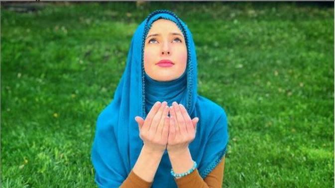 Lewat Musik, Penyanyi Amerika Tertarik Pelajari Islam dan Jadi Mualaf. (dok.Instagram @jeangrout/https://www.instagram.com/p/CANKpDCA-0l/Henry)