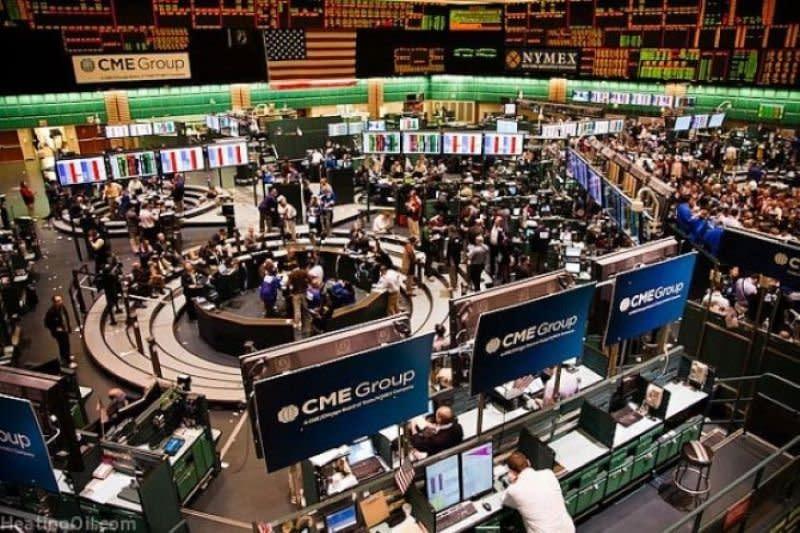 Investor buru emas, khawatirkan pelemahan ekonomi berlangsung lama