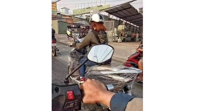 6 Kelakuan Kocak Cewek di Jalan Raya Ini Bikin Geregetan (sumber: Instagram.com/sukijan.id)