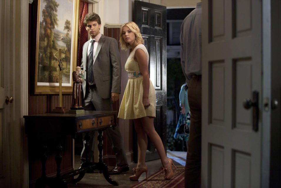 """Pretty Little Liars"" - ""The Remains of the 'A'"": KEEGAN ALLEN, ASHLEY BENSON"