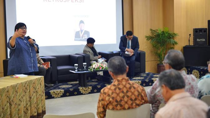 Ina Hagniningtyas Krisnamurthi. Staf Ahli Bidang Diplomasi Ekonomi Kemlu di peluncuran buku Retrospeksi. Dok: Kemlu