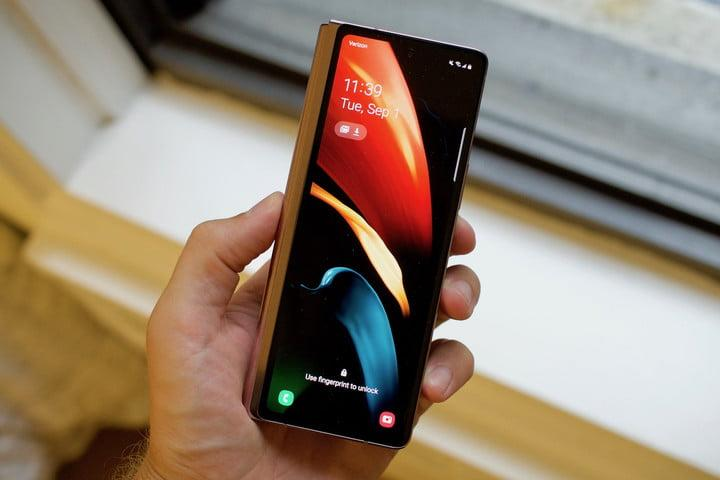 samsung galaxy z fold 2 first hands on features price photos release date cover screen locked