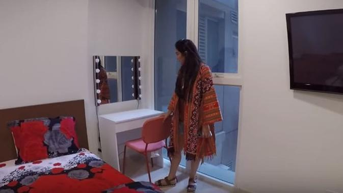 Ashanty dapat kado apartemen di perayaan ulang tahun ke-36 dari suaminya, Anang Hermasnyah. (Sumber: YouTube/The Hermansyah A6)