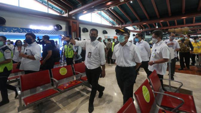 Menteri Koordinator Bidang Pembangunan Manusia dan Kebudayaan (Menko PMK) Muhadjir Effendy melakukan inspeksi ke Terminal 2E dan Terminal 3 Ultimate Bandara Soekarno-Hatta, Tangerang, Banten, Sabtu (16/5/2020). (Ist)