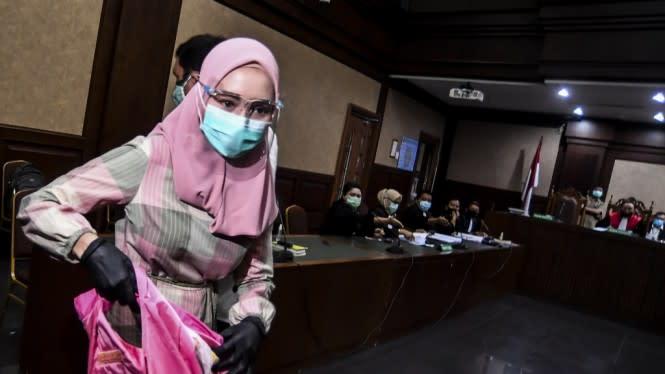 Jaksa Pinangki Bikin Keki, dari Dugaan Suap hingga Pakai Jilbab