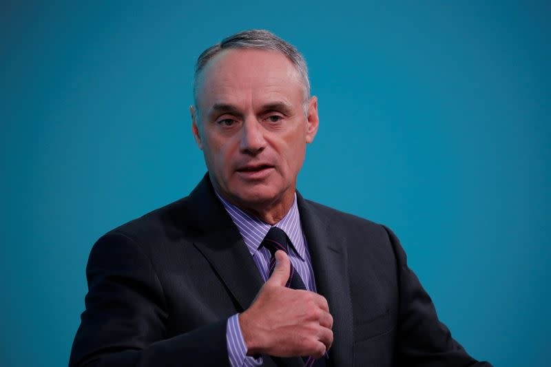 Manfred apologizes for 'piece of metal' comment