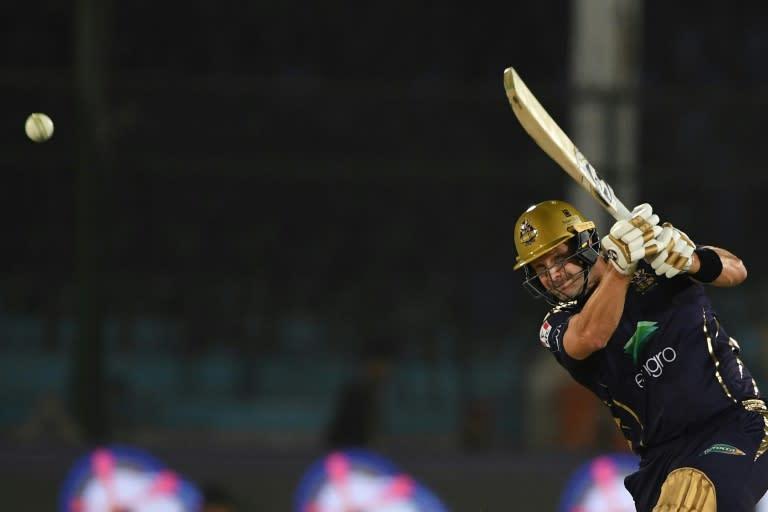 Watson, Du Plessis lead Chennai to 10-wicket IPL win