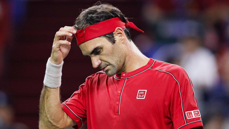 Roger Federer looks dejected against Alexander Zverev.