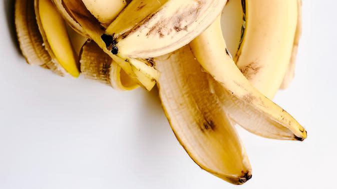 ilustrasi kulit pisang/Photo by Julia Kuzenkov on Unsplash