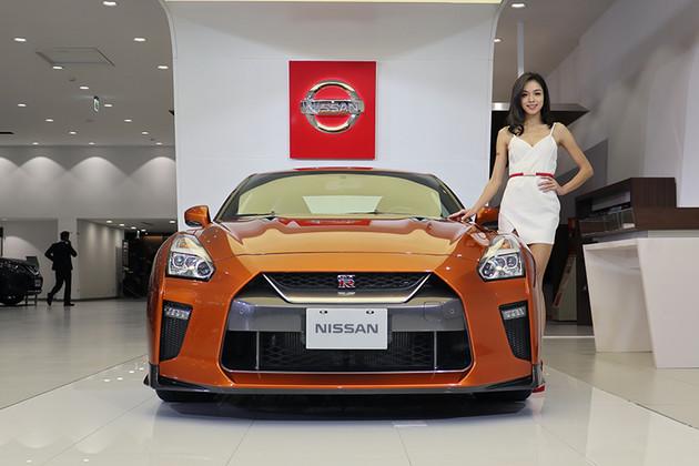 【2018台北車展】Nissan名模耀眼登場,小休旅Kicks殿後壓軸