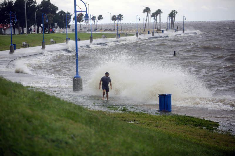 Hurricane Sally lumbers toward U.S. Gulf Coast, threatens 'catastrophic flooding'
