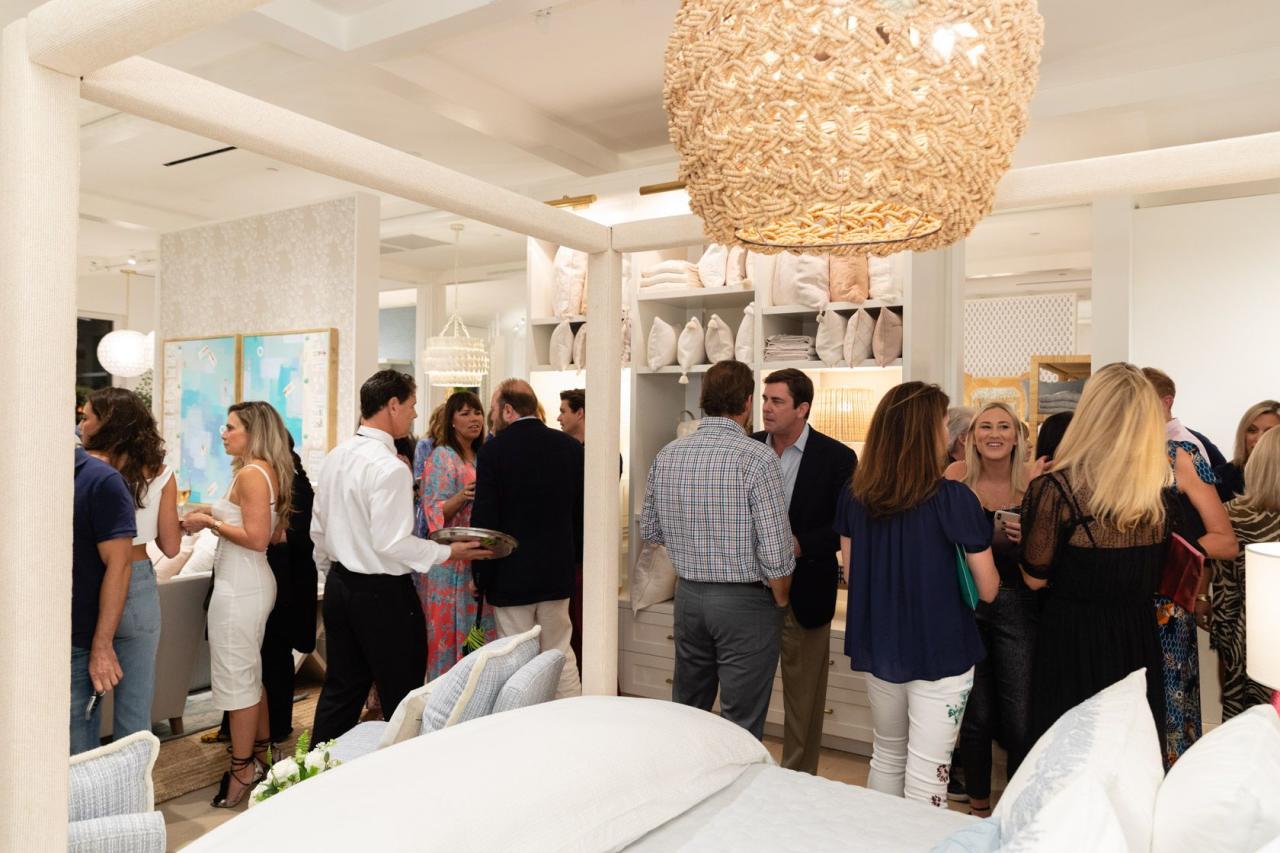 <p>VERANDA and Serena & Lily Celebrate Palm Beach Design Shop Opening <br>December 12, 2019<br>Serena & Lily Design Shop<br>Palm Beach, FL </p>