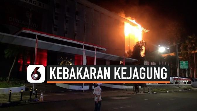 VIDEO: Saksi Kebakaran Gedung Kejagung RI, 'Itu Api Besarnya Minta Ampun...'