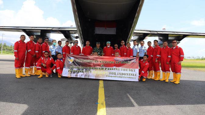 Potret Pesawat hingga Kru Penjemput Alkes Covid-19 dari China Didisinfektan