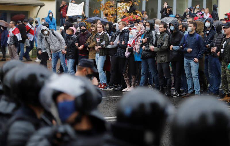 Police in Belarus crack down on protesters, detain dozens