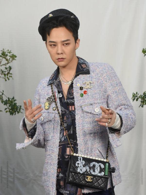 G-Dragon di Paris Fashion Week 2020. (TPG Images/sry/kapanlagi.com)
