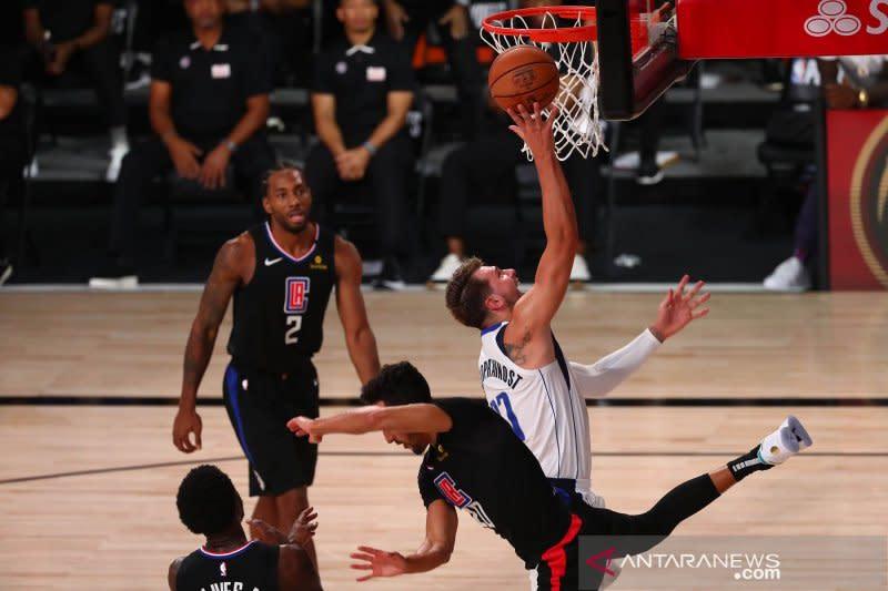 Dua pemain NBA Morris dan Doncic didenda