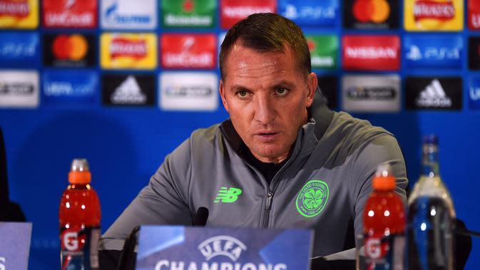 Manajer Celtic, Brendan Rodgers menanggapi kekalahan timnya 1-2 dari Bayern Munich, Selasa (31/10/2017) atau Rabu dinihari WIB. (AFP / ANDY BUCHANAN)