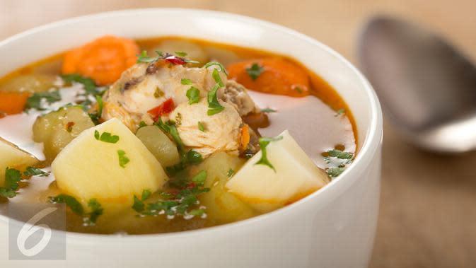 Ilustrasi Sup Ayam (iStockphoto)